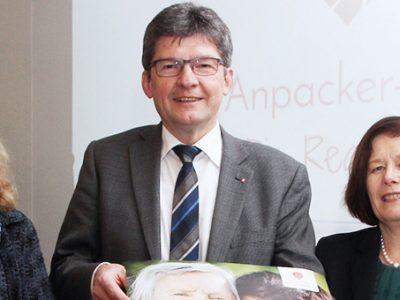Anpacker-App hilft Ehrenamtlichen