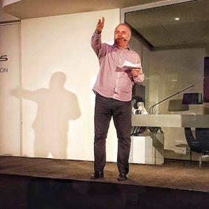 Digitalisierungsexperte Ömer Atiker auf dem Innovation Day