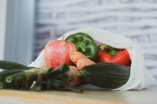 Buntes Gemüse und Obst